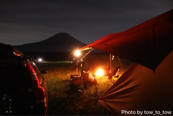 ふもとっぱら 夜の富士山