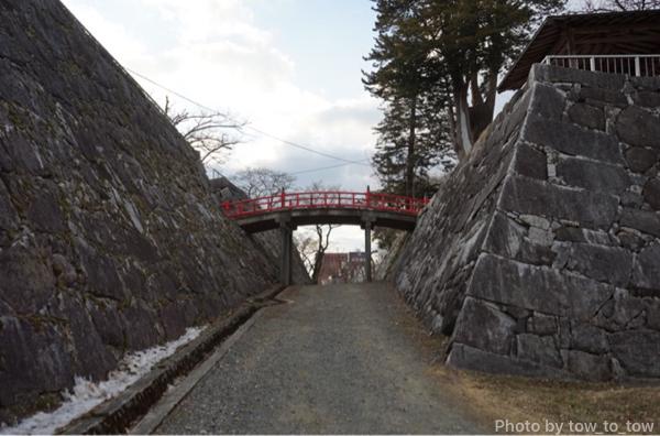 盛岡城跡公園石垣と場所