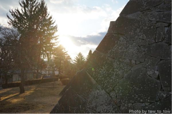 盛岡城石垣と西日